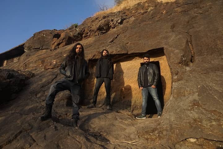 DEAD EXALTATION – Indian prog/tech death metal band premieres new track via No Clean Singing; debut album nearing its release date